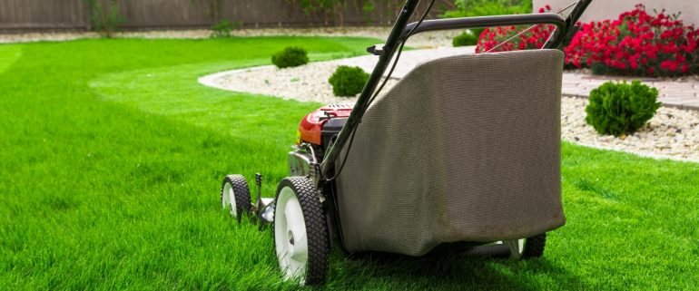 Rasenmaeher-Abrechnung-von-Gartengeraeten-ueber-die-Nebenkosten