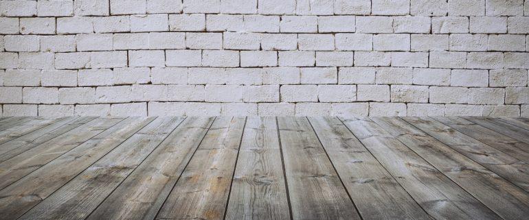 Kaputter-Fußboden-Kein-Schadensersatz-bei Versäumnis-Mieter-muessen-Vermieter-Schaeden-melden