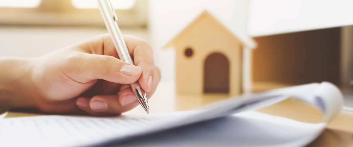 Mietvertrag-unterschreiben-Mietverhaeltnis