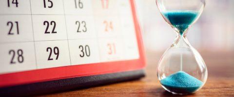 Sanduhr-und-Kalender
