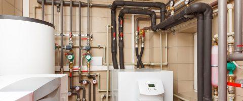 Heizungsraum-Heizungsrohre-Heizungssystem