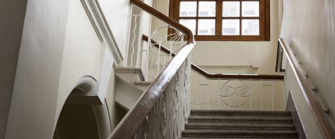 Treppenhaus-ohne-Bilder