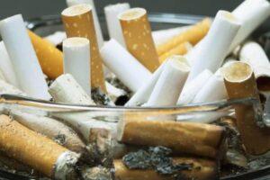 Aschenbecher-Starker-Raucher-Wohnungskuendigung