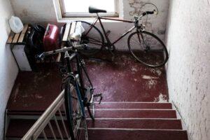Fahrrad-im-Treppenhaus